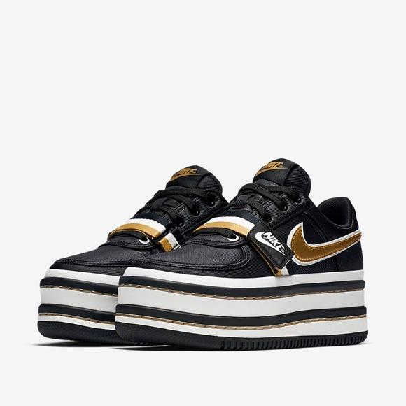 Zapatos Nike Nueva Tamaño Vandal 2K zapatilla En Negrogold Poshmark Tamaño Nueva 7 2ef605